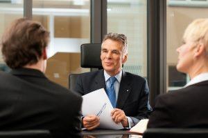 Vielfältige Aufgaben bei der Regelinsolvenz: Der Insolvenzverwalter stellt einen Insolvenzplan auf.