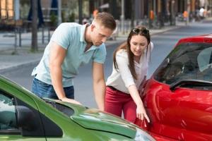 Für jedes Auto ist eine Versicherung nötig – trotz Insolvenz ist also mind. eine Haftpflicht erforderlich.