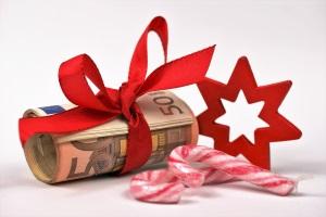 Sie dürfen zusätzliches Einkommen während der Privatinsolvenz teilweise behalten (z. B. Weihnachtsgeld).