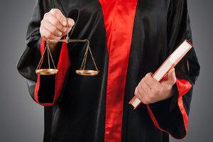 Die Eröffnung vom Insolvenzverfahren erfolgt durch Gerichtsbeschluss.