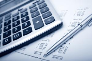 Folgen von Schulden sind u. a. die Kündigung von Verträgen oder ein negativer SCHUFA-Eintrag.