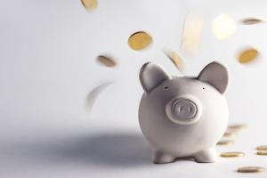 Geld sparen im Alltag: Unsere Tipps helfen Ihnen, Ausgaben zu reduzieren.