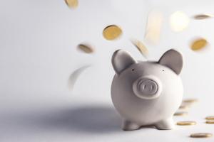 Geld sparen: Mit unseren Tipps kann es klappen!