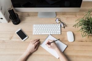 Ein Haushaltsplan lässt sich nicht nur handschriftlich, sondern auch am Computer erstellen.