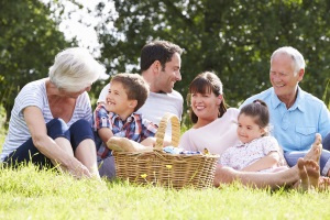 Die Erstellung von einem Haushaltsplan macht auch für die ganze Familie Sinn. Planung und Umsetzung gestalten sich hier jedoch wesentlich komplexer.