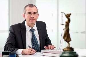 Bei allen Fragen rund um die Insolvenz kann ein Rechtsanwalt Sie fachmännisch beraten.