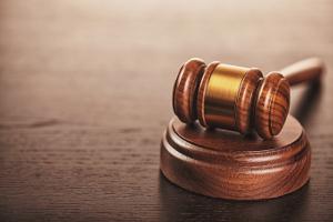 Insolvenzstraftaten: In der Privatinsolvenz können sie dazu führen, dass die Restschuldbefreiung versagt wird.