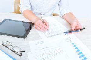 Wenn Sie Konsumschulden besitzen, sollten Sie dringend einer Schuldnerberatung aufsuchen.