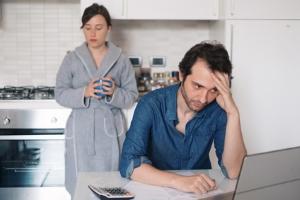 Wer seine Schulden an die Gläubiger nicht zurückzahlt, dem kann die Kontopfändung drohen.