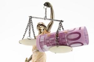 Die Kosten einer Schuldnerberatung vor und in der Privatinsolvenz übernimmt ggf. der Staat.