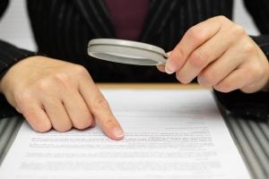 Kredit trotz Kreditunwürdigkeit: Prüfen Sie den Vertrag genau, bevor Sie diesen unterzeichnen.