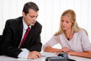 Lohnpfändung wegen Unterhalt: Ablauf, Freigrenze & Selbstbehalt erklären wir im Ratgeber.