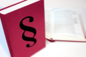 Was gilt als pfändbares Einkommen? Gesetzliche Regelungen sind der ZPO zu entnehmen.