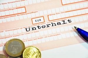 Durch eine Pfändung werden unterhaltspflichtige Personen, die bisher keinen Unterhalt gezahlt haben, zur Kasse gebeten.