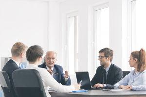 Ein privates Insolvenzverfahren kann sogar vermieden werden, wenn die Einigung mit den Gläubigern gelingt.