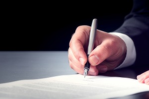 Um die Privatinsolvenz auf 3 Jahre zu verkürzen, müssen Sie einen gesonderten Antrag beim Insolvenzgericht stellen.