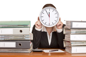 Regelinsolvenz: Wie lange sie im Einzelfall dauert, hängt von verschiedenen Faktoren ab.