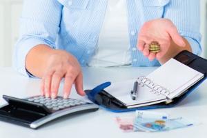Schulden im Studium vermeiden? Ein Haushaltsplan kann helfen.