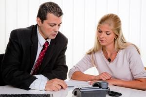 Die Kosten für die Schuldnerberatung erhalten Hartz-4-Empfänger oft vom Jobcenter erstattet.