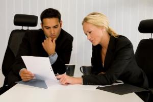 Die Mitarbeiter der Schuldnerberatung für Selbstständige verhandeln auch mit Gläubigern.