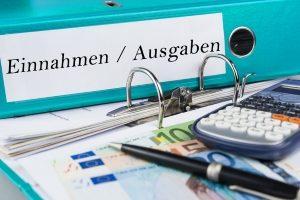 Wichtig für die Schuldnerberatung: Zu den Unterlagen sollte auch ein Haushaltsplan gehören.