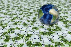 Staatsschulden entstehen, wenn der Staat mehr Geld ausgibt als er besitzt.