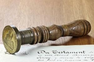 Teilungsversteigerung: Um Risiken wie z. B. Erbstreitigkeiten zu verhindern, sollten vorab Vereinbarungen getroffen werden.