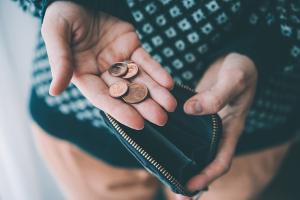 Mit dem Titel für die Zwangsvollstreckung kann der Gläubiger sofort eine Vollstreckung gegen den Schuldner einleiten.