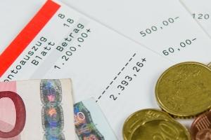 Wer hat den Insolvenzantrag gestellt? War es der Arbeitgeber, besteht evtl. Anspruch auf Insolvenzgeld.
