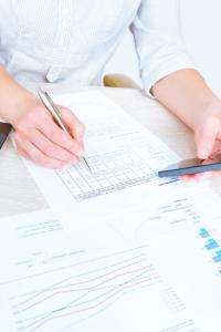 Wie funktioniert die Privatinsolvenz? Im Vorfeld müssen Unterlagen eingereicht werden.
