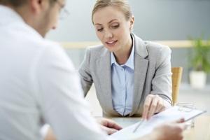 Ein Anwalt für Mietrecht könnte Ihnen helfen, eine Zwangsräumung Ihrer Wohnung zu verhindern.